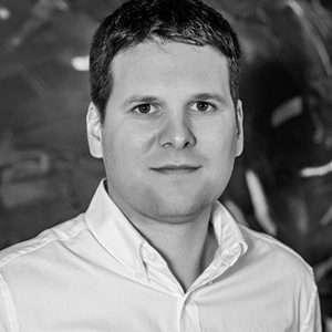 Matej Zovčák - Finančný riaditeľ (CFO) - QEX
